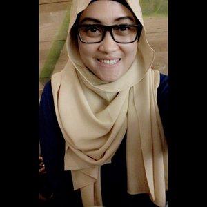 Morning wednesday!! Me wearing scarf diamond italiano by @hijabprincess love the fabric miniooonnn much!! #hijab #love #andiyanipics #hotd #selfie #hijabstyleindonesia #clozetteID #hijabiqueens