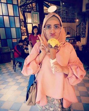 Merindu @tempogelato 💞 #clozetteid #tempogelato #tempogelatojogja #kangenjogja #sundaymood #myfavorite #hijabstyle #lifestyleblogger  #mylaff