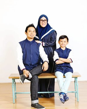 When a man has knowledge of the deen, he can lead his family with respect.When a woman has knowledge of the deen, she can lead her children in humility.When children have knowledge of the deen, they can lead their parents to Jannah.Aamiin allahumma aamiin. #masyaallahtabarakallah 💕👨‍👩‍👦 #familyphotography #familytilljannah #iwannabewiththemtilljannah #mifamilia #jonasphotostudio #andiyaniachmad #clozetteid #myeverything #familyportraits #tapfordetails #alhamdulillah