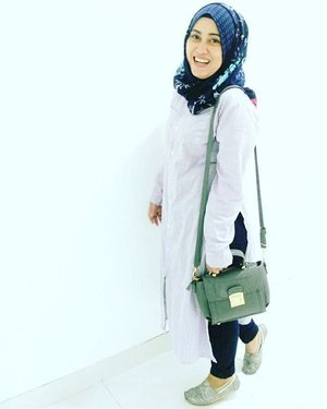 A perfect way to feel love is to be able love every single flaws of your loved one perfectly 💋❤ #quoteaboutlove #quoteoftheday #ootd #stylediary #andiyanipics  #hijabfashion #hijabootdindo #dailyhijaber #clozetteid #clozettedaily #tapfordetails #lifeofablogger #lifestyleblogger