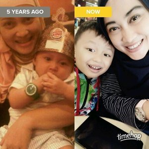 5 years ago and now 😍😘💋❤ #nowandthen #darelladhibrata #motherhoodrocks #motherhoodthroughinstagram #parenting101 #stylediary #bloggermom #lifeofablogger #lifestyleblogger #clozetteid #timehop