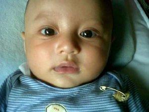 Darell bayik kicik dipakein bangle sama Bundanya 😅😁 #ClozetteID #baby #babylove #throwbackthursdays #babyboy #babyoftheday #darelladhibrata #motherhood