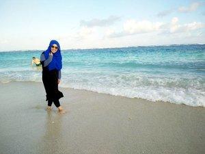 🌊🌊🌊 can't get enough of #pandawabeach ❤❤❤ #travelwithstyle #hijabtraveller #ootd #holiday #bounchesummerescape #bali #exploreindonesia #explorealamindonesia #stylediary #andiyanipics #lifeofablogger #lifestyleblogger #clozetteid #hijabootdindo #hijabfashion #diaryhijaber