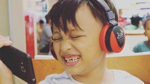 His laugh! 😍😍😍 #clozetteid #mommyblogger #socialmediamom #darelladhibrata #kidsofinstagram #kidsjamannow #kidsstylezz #myson #andiyaniachmad #stylediary #foreverlove