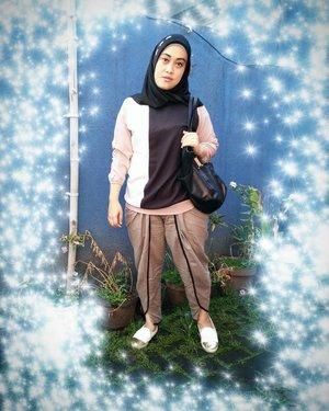 Keep it simple, keep it honest, keep it you 💋#tapfordetails #ootd #hijabfashion #clozetteid #clozettehijab #bloggerstyle #khakistyles #quoteoftheday #stylediary #andiyanipics #style