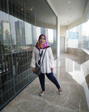 My-Oh-Not-So-Ready-Pose ✌  #clozetteid #hijabstyle #hijabfashion #pleatspants #stylediary