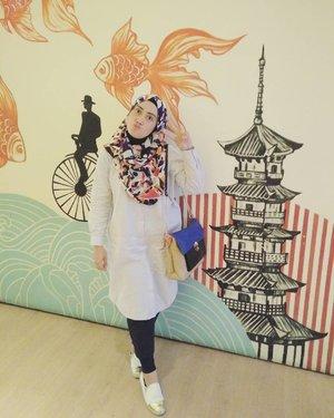 My not typically #ootd style ✌😅 📷 @5andranova 💋  #hijabfashion_indo #hijabootdindo #clozetteid #clozettehijab #lifeofablogger #lifestyleblogger #dailylooks #diaryhijaber #stylediary