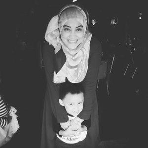 My source of happiness ❤❤❤ #momandson #motherhoodrocks #throwbackthursday #lovehimsomuch #mybabyboy #kidsofinstagram #lifeofablogger #socialmediamom #bloggermom #clozetteid #stylediary