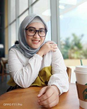 Berbukalah dengan yang manis 🙈😁😅 #oppof11pro #andiyaniachmad #clozetteid #lifestyleblogger #hijabblogger #bloggerlife #tapfordetails