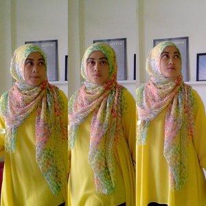Dibuang sayang mending dipajang aja kan :p#ootd #hotd #clozetteID #hijab #fashion #love #saturdaynight #andiyanipics #fashionpeopledo #hijabfashionindo #hijabstylebyme #alahijab #aboutalook