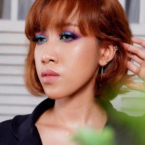 Makeup untuk menantikan THR --- Bisa dicoba wahai rakyat jelata yang penuh penantian. Siapa tahu karena keasyikan blending eyeshadow, tahu2 sudah lebaran tahun depan 🐒🐒🐒 --- Makeup @bymonicaagustami --- #beautymakeup #beautyaddict #clozetteid #bloggerindonesia #bloggerperempuan #makeupbyme #makeupoftheday #beautygirls #indobeautybloger #jogjabloggirls #sexy #womanpower #muaindonesia
