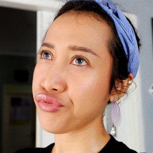 Uuummm.. pengen ke emol tapi malas mandi. Mandi? Jangan?..#makeupindo #beautymakeup #beautybloggerindo #ibbloggers #clozetteid