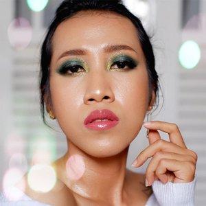 Bosan dibilang seperti remaja, jadi kali ini macak tante2 gorjes saja agar wangun dipanggil Dek Galen Nte Mon @ajengmas 😌 --- Btw kalian bosan #besoksiang vakum tidak? SUDAH ADA BLOGPOST BARU DI www.besoksiang.com loh! --- Nulis duluan biar @racunwarnawarni terlihat lebih bersalah dari Dek Mon 😌 --- #faceoftheday #makeup #clozetteid #bloggerperempuan #bloggerstyle #beauty #beautybloggerindonesia