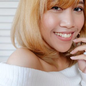 """Rambu makin terang aja, Mon.."" ""Iya, biar bisa sekalian menerangi masa depan kita, Mas.."" . . NOTE: Percakapan di atas hanyalah rekaan belaka. . . #myhair #hairoftheday #blondehair #haircolour #hairdojogja #beautybloggerjogja #beautybloggerindonesia #ibbloggers #clozetteid #clozettedaily"