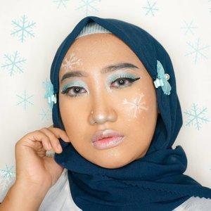 When it comes to the blue, I'mma turn it into something cool. Welcoming Ice Princess! ❄️.Makeup look #blueinspired dalam rangka ngelanjutin #MindysRainbowChallenge 🌈. Aslinya mau bikin awan-awanan tapi udah ada yang bikin. Gak mau kembaran, yaudah aku gambar snowflakes ajah ehehe..#ClozetteID #hijab #makeup #makeuplook #MOTD #HildaIkkaDandan #bluemakeup #makeupinspo #icymakeup #wintermakeuplook #indobeautygram #beautygram #beautycontentcreator #dirumahaja #samasamadirumah #QupasBeauty #setterspace