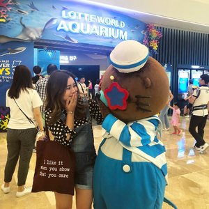 spot this candid from a little #throwback ....#seoul #lotteworld #lotteaquarium #fish #clozetteid #exploreseoul