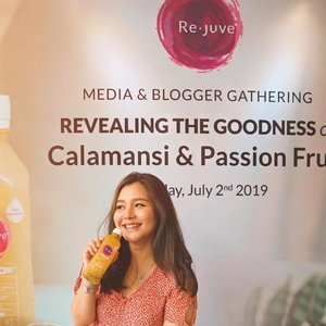Are you ready for a healthier life? I learn much from yesterday event with @rejuveid !! They just launch the newest product of calamansi and passion fruit☀️ Ups.. don't forget about their mission of making people happier with their delicious, healthy product and honest from their ingredients (in a label of each product)!@rejuveid @clozetteid #LiveHappier #GOODforYou #CleanLabel #CLozetteid #REJUVExCLOZETTE