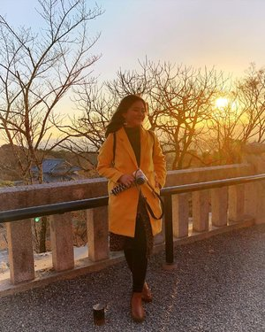 Gratitude is the fairest blossom which springs from the soul. . . . . . #throwback #beforequarantine #japan #kiyomizudera #sunshine #sunset #vielholiday #clozetteid #warm #spring #springiscoming #stayathome #dirumahaja