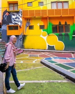 Tolong jangan pada buang sampah sembarangan karena aku capek editin sampahnya 😂  #CellaKualaLumpurTrip #CellaJalanJajan #Travel #KualaLumpur #Malaysia #BukitBintang #Clozetteid