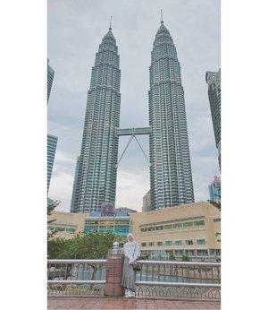 Tourist Spot  #CellaKualaLumpurTrip #CellaJalandanJajan #Travel #KualaLumpur #Malaysia #TwinTower #SuriaKLCC #Clozetteid