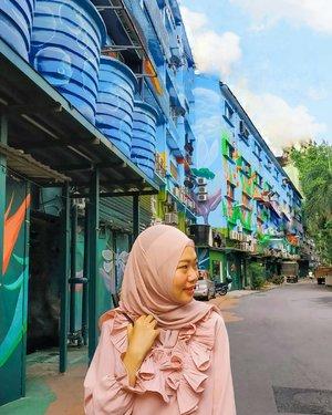 Ternyata walaupun dari samping hidung tetap sama saja 😂😂. #CellaKualaLumpurTrip #CellaJalanJajan #Travel #KualaLumpur #Malaysia #BukitBintang #Clozetteid #TheDreamyTravels #WomanTraveler #Traveling #TravelBlogger #InstaTravel #TravelGram #ExploreMalaysia