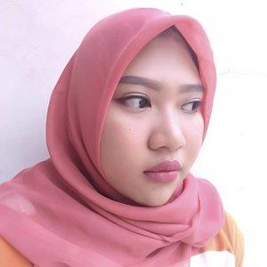 Happy weekend everyone 😉..Btw, yang besok belum ada acara ikutan Demo Makeup with Make Up For Ever pada hari Minggu, 5 Agustus 2018 di Mosaic Walk, Kota Kasablanka pada pukul 14.30-15.30 WIB. Untuk join acaranya  yuk check @majalah_kartini @marieclaireindonesia dan @styleaccessid.Yuk, yg belum ada acara @nikyputri0809@valentina.bangun @tifanydheanisa@vikaangela @ermawatinovia ikutan juga. Hehe#makeupclass #beautyclass #makeupforever #clozetteid #LoopSquad2018