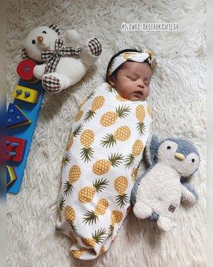 Assalamualaikum ☺️☺️☺️#nawrazakiyahkamilah#babygirl #clozetteid #bedongbayi #happyweekand #masyaallahtabarakallah