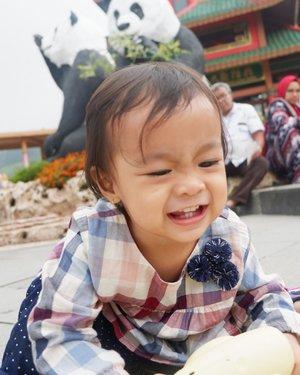 Mana gigi nya nak??😁😁😁 hiiiiii#azkadinakaylainsani#clozetteid #babygirl #havingfun