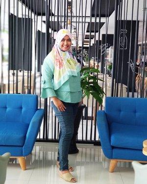 OOTD di @innsideyogya  Menikmati #lunchtime #makansiang sekaligus #testfood Executive Chef Nurhadi.  #travelblogger #bloggers #travelers #hoteldijogja #reviews #lunchtime #foodie #jogjafood #clozetteID #hijabjogja #hijabers #indonesianhijabers  Makasih angle 📸 nya @rifiani_nisya #ZenFoneZoom_S #BuiltForPhotography