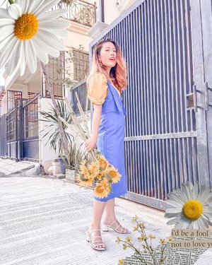 Because of the myth of Clytie and Apollo, the sunflower most commonly known as a symbol of adoration and loyalty. 🌻💛💛 . Gotta have a sunflower in your life 🌻 . . . Tap for details on the outfit  . . .  . . . . #itselvinaaootd #clozetteid #ootdfashion #ootdinspiration #ootdindonesia #lookbookindonesia #shoxsquad #theshonetinsiders #theshonet #dirumahaja #homephotoshoot #homephotoshootideas