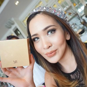 """Still so happy to win the """"Best Dress"""" award at yesterday's #EllipsTeaParty. Wore this shiny sequin beanie for their dresscode """"ShineLikeStars"""" and I won this cute little Xiaomi Yi camera, which is basically like a GoPro!  Can't wait to play with this kawaii cam! Thank you so muchh @ellips_haircare!!! 😊😊😘 #selfiewiththeprize #EllipsHairCare"""