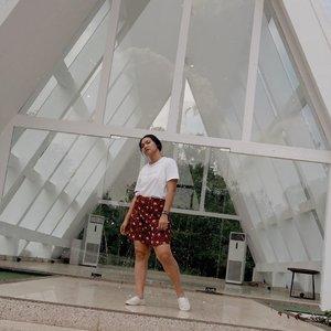 Wearing this batik printed shorts by proud local brand @oemahetnik ✨ - #celliswearing  #clozetteid