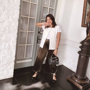 So happy for the weekend!  See? this rebel bag complete my neutral look. Yuhuuu 💕 📷: @karinaorin  #celliswearing  #clozetteid  #outfitoftheday