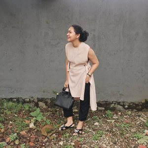 Wearing Sapto for @havaid from @clozetteid event back when I was preggo.love this peachy pink top 👌🏻💓