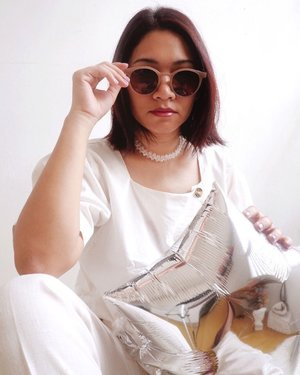 Sunglasses to the rescue when you so lazy to do eye makeup for a photo 🙃 - #CellisWearing #ClozetteID  #MinimalistStyle
