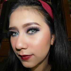 Vampire makeup look tutorial. Harusnya pas Holloween sih bikin tutorial ini, tapi apa daya, lagi pengen bikin nya pas bukan halloween party 😆. And I use produk's ⤵PS : Don't Forget to watch videos on MY youtube channel 😘. Link on my BIO guy's... ....1. Setelah menggunakan Primer dari @wardahbeauty2. DD Cream Wardah 01 mix @wnwcosmetics Foundation Light 3. Concealer @bourjois_id - 01 Ivory4. Wardah Powder - Beige 025.Ka Brow @benefitindonesia - 056. @thebalm_cosmetics Nude Dude Palette - Feisty7. The Balm Nude Dude Palette - Friendly8. @citycolorcosmetics Smokey Palette - Dark Blue9. @sephoraidn bronzing - Clair Light 0110. @beccacosmetics Luminious blush on - Snapdragon11. @nyxcosmetics_indonesia born to glow liquid illuminator - Gleam 0212. @silverswanlash - 303 Dior13. @rollover.reaction Lipstick - UMMA .14. Makeup Blender - Black @armandocarusoid15. Makeup Blender Micro Mini - Green @armandocarusoid16. And my brush favorite from @realtechniques17. Softlens : @bennetsoftlens - Swetty Spatax GRAY .....#Rolloverreaction #Sephoraidn#wardah #bourjois #wetandwild #Beautynesiamember #Hudamakeup @beautynesiamember @hypnaughtypower @indovidgram #INDOVIDGRAM #IVGBeauty