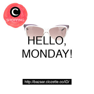 It's Monday! Don't forget to be awesome with fashion items from http://bit.ly/bzrclofb #ClozetteBazaar
