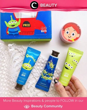 HELPPP! Innisfree knew that cute packaging is our weakness and they produced these super cute limited edition Toy Story collection! Simak Beauty Update ala clozetters lainnya hari ini di Beauty Community. Image shared by Clozette Ambassador @steviiewong. Yuk, share juga beauty product favorit kamu bersama Clozette.