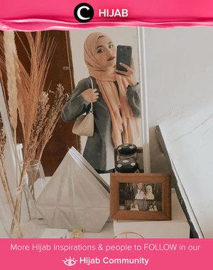 Hello, weekend! Apa rencanamu untuk akhir pekan ini, Clozetters? Image shared by Clozetter @Uswhaaa. Simak inspirasi gaya Hijab dari para Clozetters hari ini di Hijab Community. Yuk, share juga gaya hijab andalan kamu.