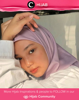 Clozette Ambassador @imeldaaf shared an adorable selfie using a lilac scarf. Simak inspirasi gaya Hijab dari para Clozetters hari ini di Hijab Community. Yuk, share juga gaya hijab andalan kamu.