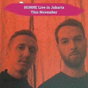 Hold your breath, Clozetters! Electronic duo, HONNE, is confrimed to perfom in Jakarta this November!.Ini merupakan kali keempat duo asal London tersebut datang ke Indonesia, hal ini diumumkan oleh Ismaya Live di akun instagram resmi mereka..Kali keempat ini, HONNE datang dalam rangkaian Love Me/Love Me Not 2019 Tour. Konser solo pertama HONNE di Indonesia ini akan digelar di Livespace SCBD pada 21 November mendatang..Who's excited?! Apa lagu HONNE kesukaanmu? Tulis di komentar, ya, Clozetters!.📷 @hellohonne @ismayalive#ClozetteID #honne