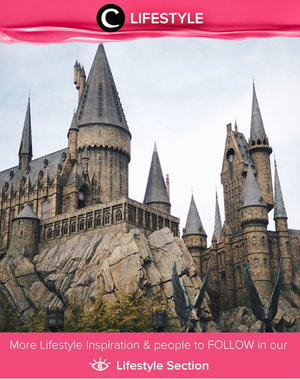 Penggemar Harry Potter? Kamu harus mengunjungi The Wizarding World of Harry Potter - Universal Studios Japan. Simak Lifestyle Updates ala clozetters lainnya hari ini di Lifestyle Section. Image shared by Clozette Ambassador: @cynfl. Yuk, share momen favorit kamu bersama Clozette.