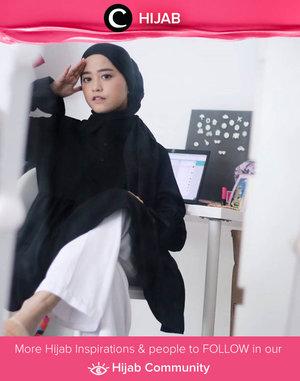 Are you ready for a productive Monday? First, put on your best outfit, so the productive mood will follow! Image shared by Clozette Ambassador @cyndiadissa. Simak inspirasi gaya Hijab dari para Clozetters hari ini di Hijab Community. Yuk, share juga gaya hijab andalan kamu.