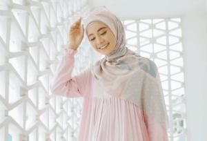 Cara Simpel Merawat Hijab Voal