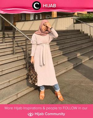 Weekdays haven't strated yet before you put your best outfit. Have a great Monday, Clozetters! Image shared by Clozette Ambassador @FAZKYAZALICKA. Simak inspirasi gaya Hijab dari para Clozetters hari ini di Hijab Community. Yuk, share juga gaya hijab andalan kamu.