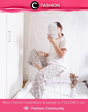 Clozette Ambassador @cellinikamil shared her stay-at-home style. Simak Fashion Update ala clozetters lainnya hari ini di Fashion Community. Yuk, share outfit favorit kamu bersama Clozette.