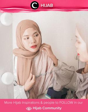 Friday in neutral color ala Clozetter @cicidesri. What about you, Clozetters? Simak inspirasi gaya Hijab dari para Clozetters hari ini di Hijab Community. Yuk, share juga gaya hijab andalan kamu.