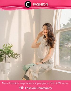 Clozette Ambassador @abnergailorraine lookin' elegan in white and light grey outfit. Simak Fashion Update ala clozetters lainnya hari ini di Fashion Community. Yuk, share outfit favorit kamu bersama Clozette.