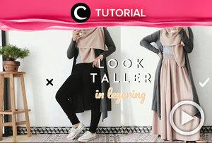 Sering merasa 'tenggelam' ketika mengenakan outerwear? Worry not, Clozetters. Kamu bisa intip styling tips berikut: https://bit.ly/340mx6H. Video ini di-share kembali oleh Clozetter @saniaalatas. Lihat juga tutorial lainnya yang ada di Tutorial Section.