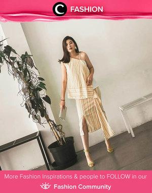 Clozette Ambassador @wulanwu looks stylish as always in Natalia Kiantoro stripe set. Simak Fashion Update ala clozetters lainnya hari ini di Fashion Community. Yuk, share outfit favorit kamu bersama Clozette.